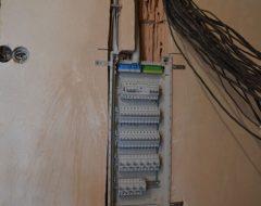 Монтаж автомата в электрощитке (фото 5)