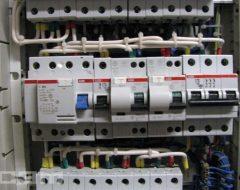 Установка электрощитов (фото 2)