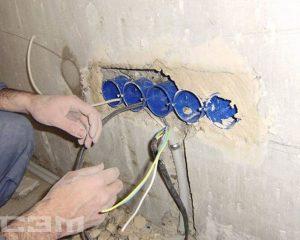 Установка розеток и выключателей (фото 6)